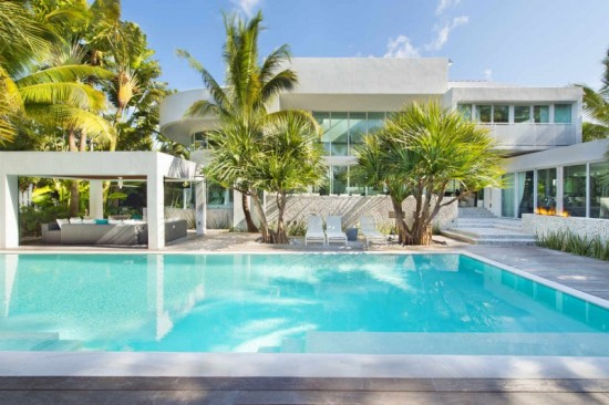 23 Breezy-Home-in-Key-Biscayne-05-800x533