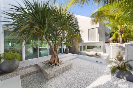27 Breezy-Home-in-Key-Biscayne-10-800x533
