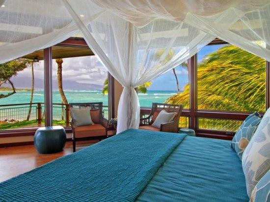 67 Magnificent-North-Shore-Beachfront-Home-15