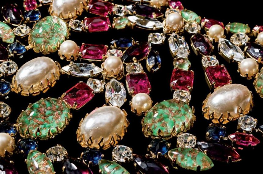 Schreiner,-circa-1960s-Bib-necklace.-Simulated-turquoise-stones,-rhinestones,-simulated-pearls,-gold-plated_1
