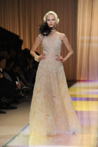 Giorgio Armani Prive: Runway - Paris Fashion Week Haute-Couture F/W 2013-2014