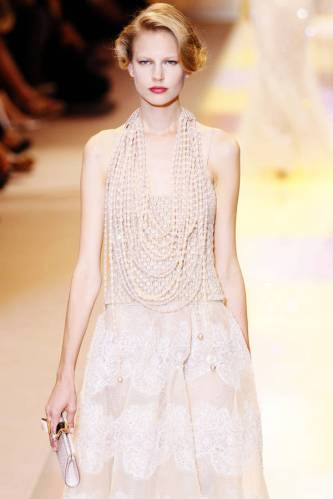 ARMANI-PRIVE-Haute-Couture-Autumn-Winter-2013-2014-Collection_14