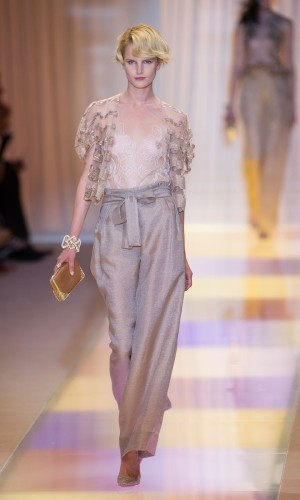 ARMANI-PRIVE-Haute-Couture-Autumn-Winter-2013-2014-Collection_20