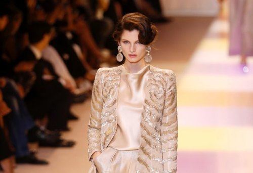 ARMANI-PRIVE-Haute-Couture-Autumn-Winter-2013-2014-Collection_22