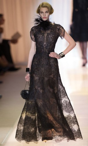 ARMANI-PRIVE-Haute-Couture-Autumn-Winter-2013-2014-Collection_23
