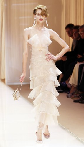 ARMANI-PRIVE-Haute-Couture-Autumn-Winter-2013-2014-Collection_25